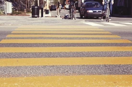 Штраф за «непропуск» пешехода вырастет до 2,5 тысяч. Путин подписал закон