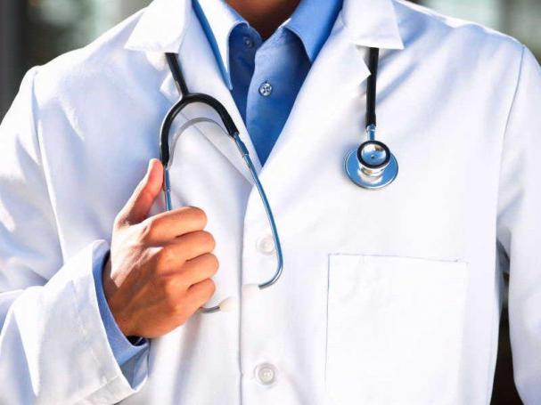 Врачам и медицинским работникам повысят зарплату…в Москве. 110 000 руб