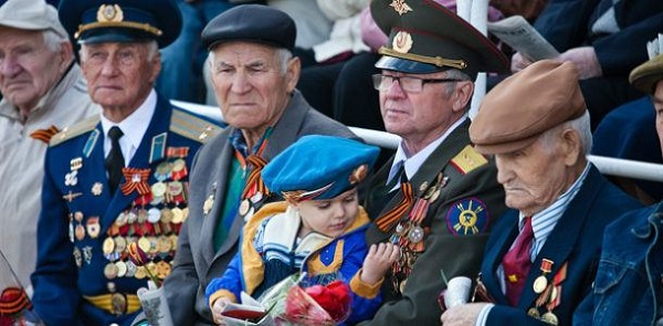 Что говорил Путин и народ о повышении военных пенсий шесть лет назад