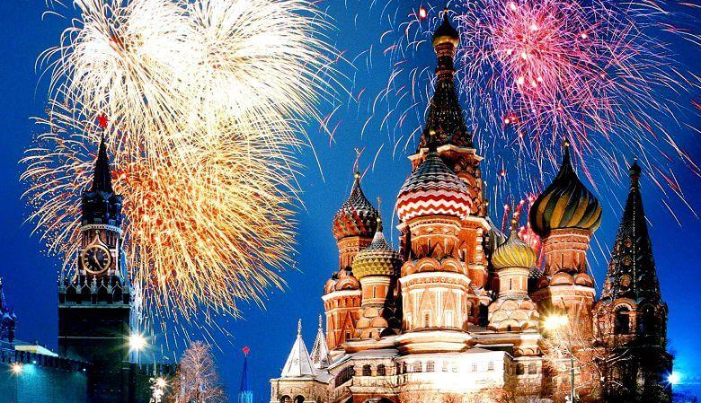 Расписание новогодних праздников 1-10 января 2018 и торговли алкоголем в Москве