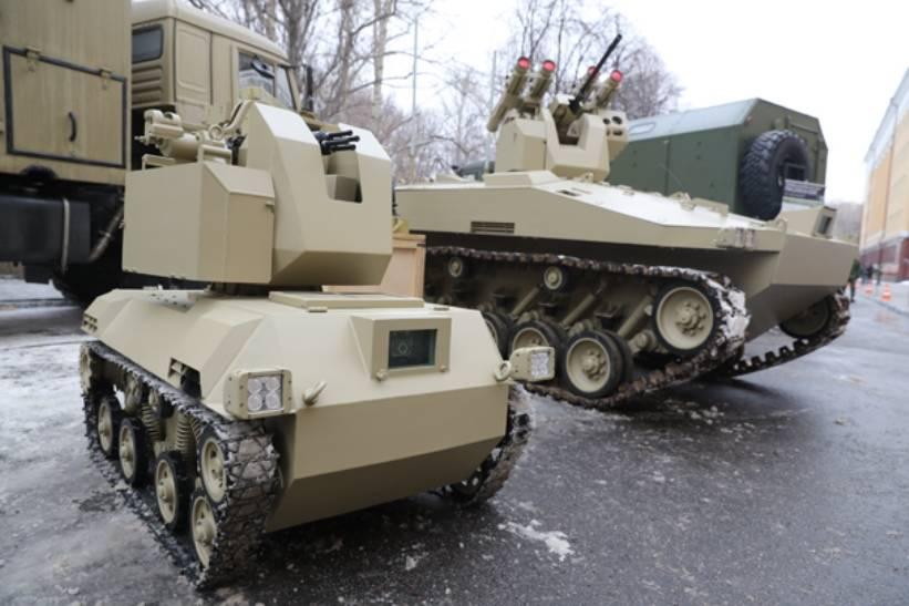 «Калашников» испытал боевых роботов «Соратник» и «Нахлебник»