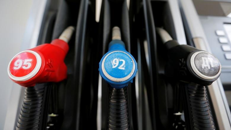 Принят закон о налоговом маневре. Как это отразится на стоимости бензина?