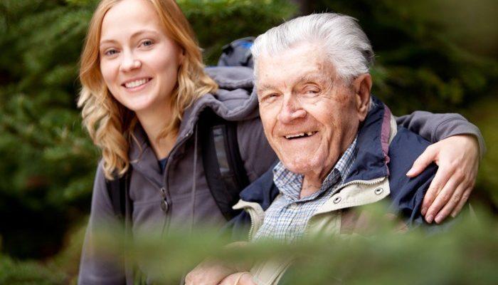 Систему ухода за пожилыми введут в действие