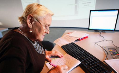 Работающим пенсионерам: не только не проводить индексацию, а не платить пенсию вообще!