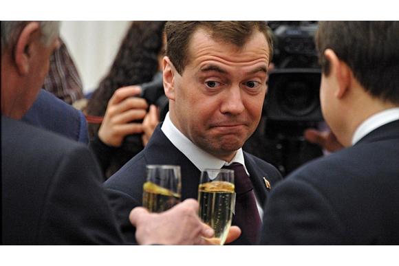 «Исчезновение» Медведева и заявление Путина по пенсионной реформе