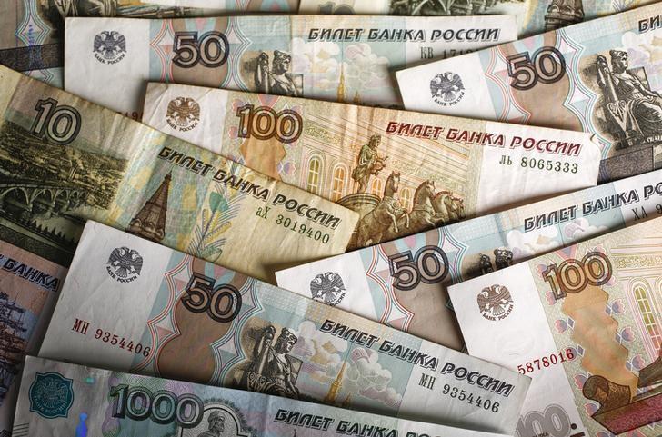 России прогнозируют скорый обвал рубля и взлет курса доллара из-за санкций