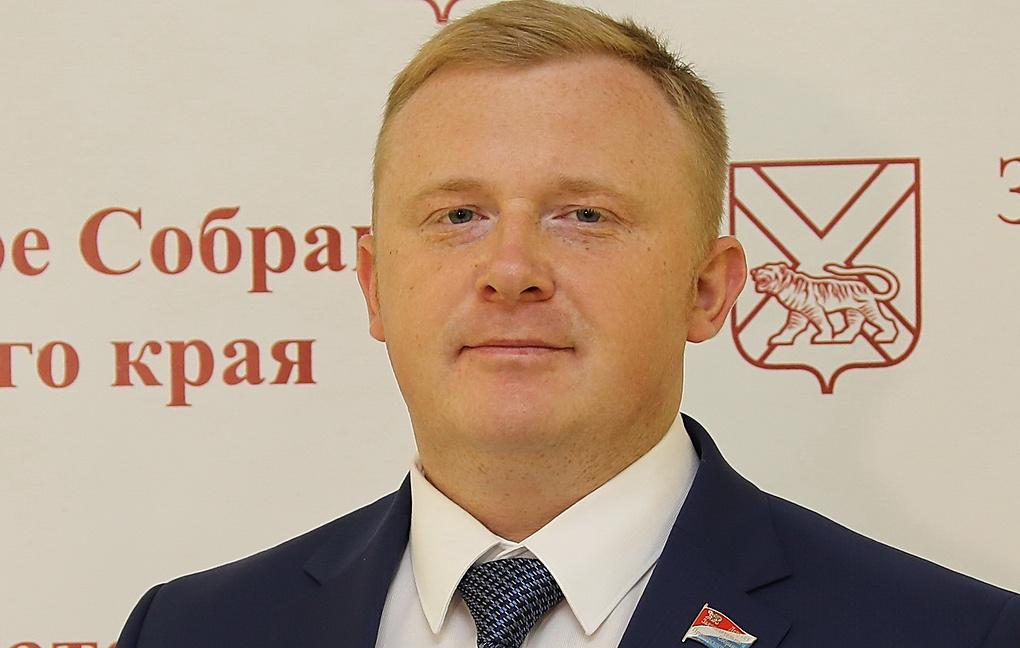 В Приморье Единая Россия проигрывает КПРФ на выборах губернатора. Биография Ищенко