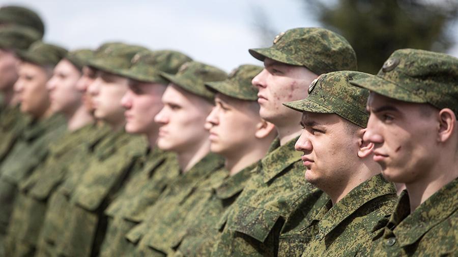 Военнослужащим по призыву будут платить 2000 рублей в месяц