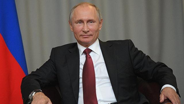 Путин заявил, что пенсии будут расти и ушел со сцены